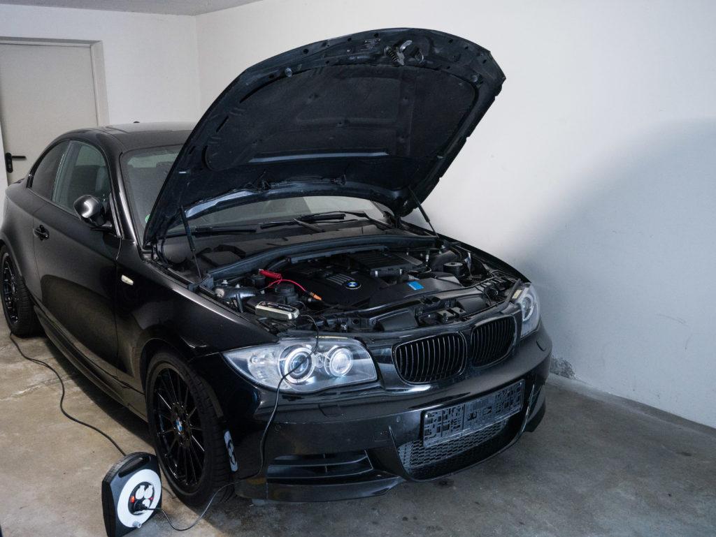 Blogartikel BMW Batterie laden